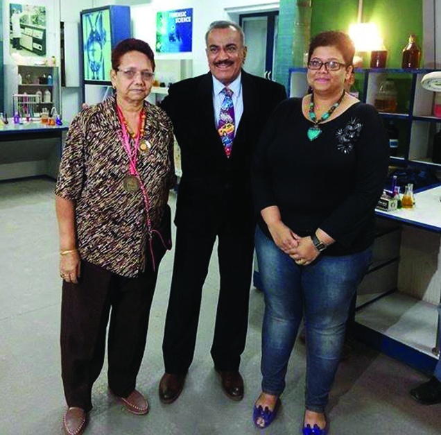 Jenny Singh with daughter Danielle Singh & Shivaji Satam (ACP Pradyumna) of CID fame
